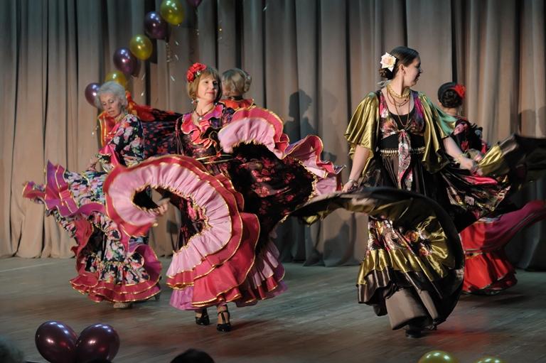 """Цыганский танец """"Прихаяпэ"""""""