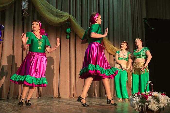 Группа Нуджум Театра танца Аль-Джана