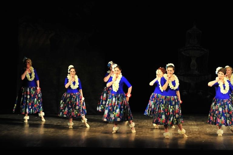 """Гавайский танец в спектакле """"Источник жизни"""""""