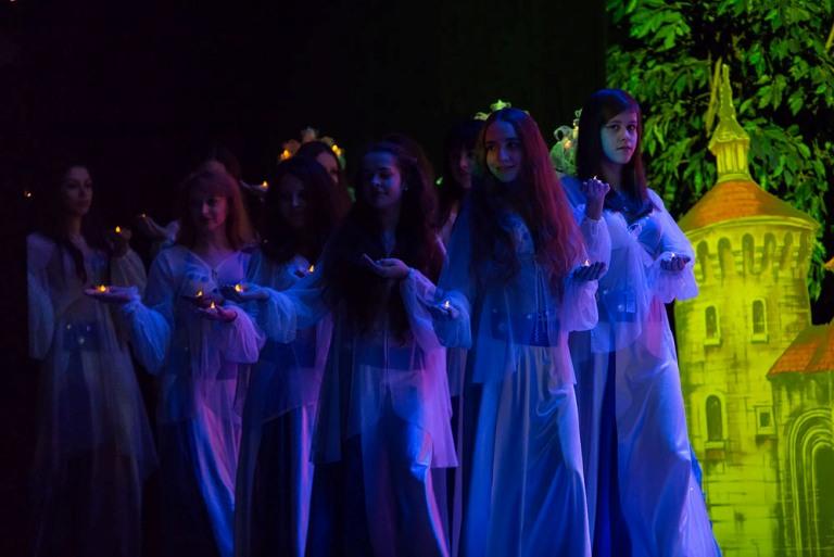 """Ансамбль Театра танца Аль-Джана в спектакле Меридиана """"С друзьями в сказку"""""""