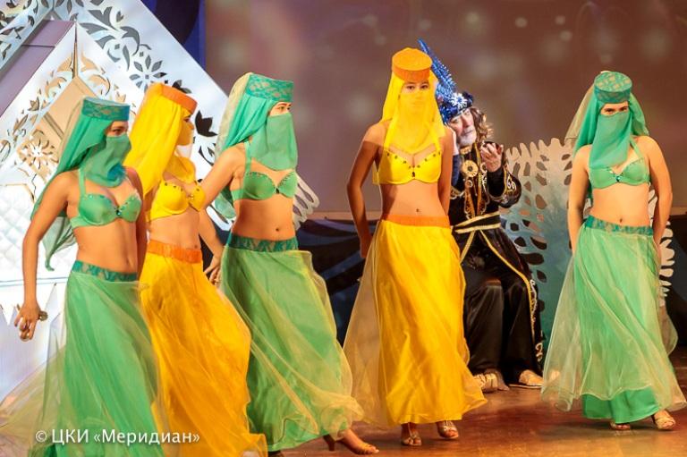 Восточный танец на Большой сцене ЦКИ Меридиан
