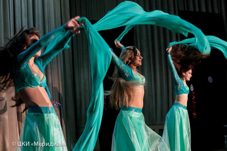 """Ансамбль Театра танца Аль-Джана на концерте """"Новогоднее конфетти"""""""