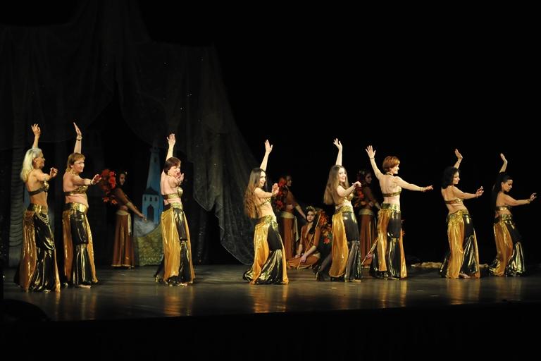 Группа Айсель Театра танца Аль-Джана