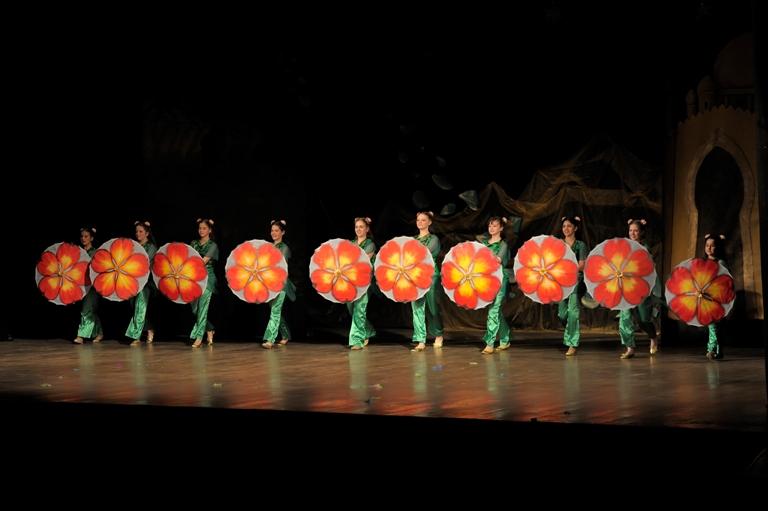 Группа Гелин Театра танца Аль-Джана