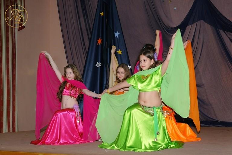 Детский танец с шалью