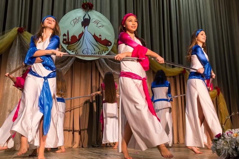 Саиди с 2мя тростями 14-летие Театра восточного танца Аль-Джана