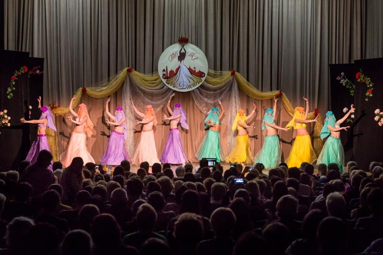 Танец с сагатами Группа Наргиз 14-летие Театра восточного танца Аль-Джана