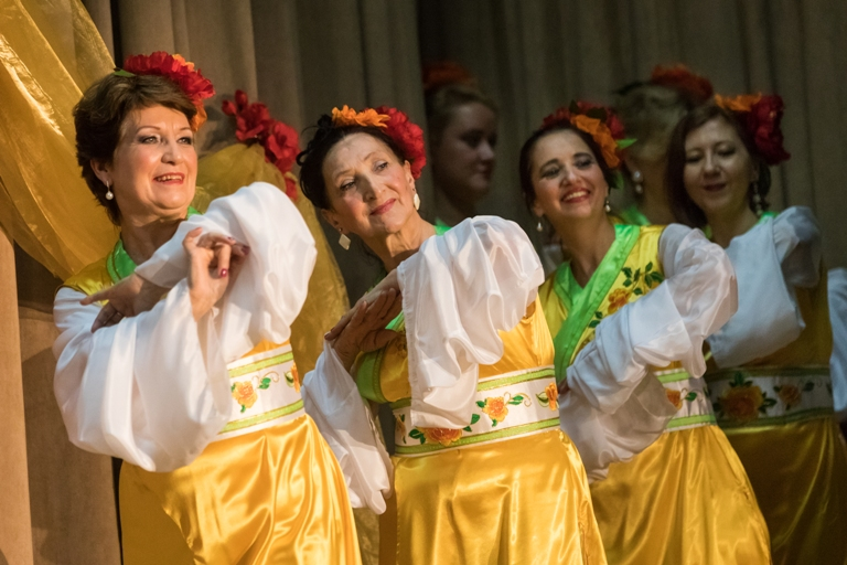 Китайскаий танец с рукавами 14-летие Театра восточного танца Аль-Джана