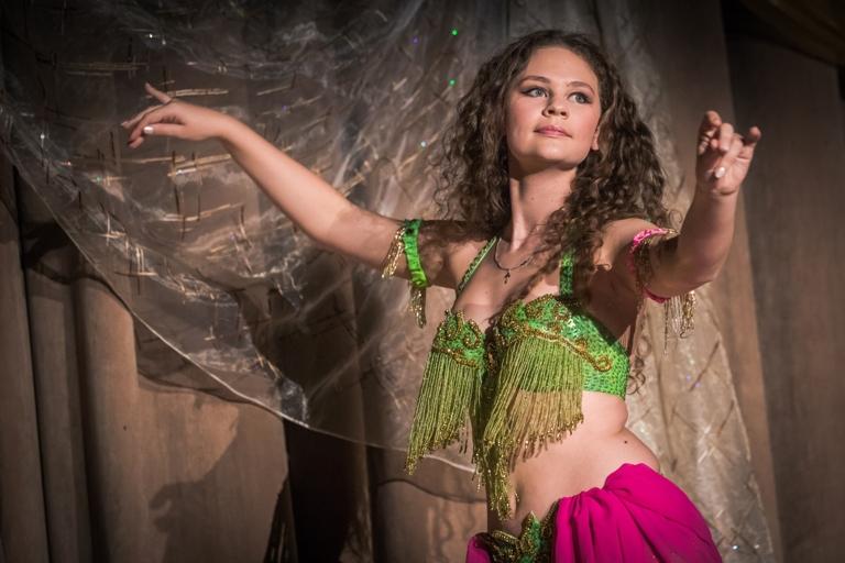 Дарья Павлова Олеся Чернышова и Нана Силагадзэ 14-летие Театра восточного танца Аль-Джана