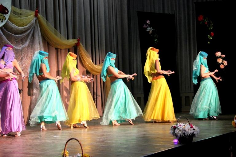 Танец с сагатами 14-летие Театра восточного танца Аль-Джана