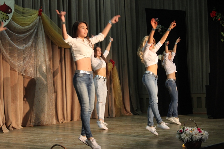 Стрит-шааби 14-летие Театра восточного танца Аль-Джана