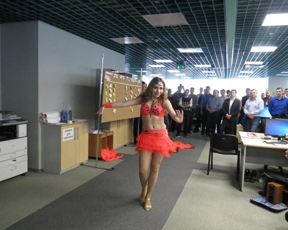 """восточные танцы ТВТ """"Аль-Джана"""": поздравляем мужчин - шоу с 3мя юбками"""