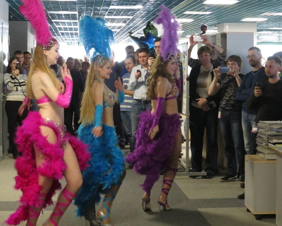 """восточные танцы ТВТ """"Аль-Джана"""": поздравляем мужчин - бразильский карнавал"""