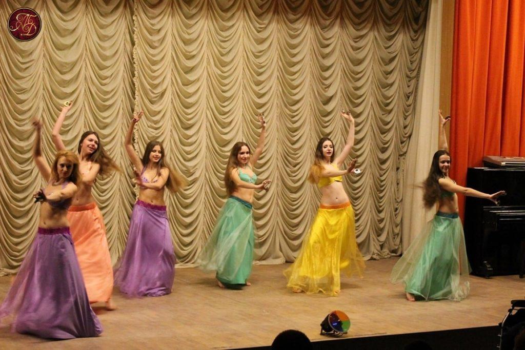 """восточные танцы ТВТ """"Аль-Джана"""": концерт для ветеранов - танец с сагатами"""