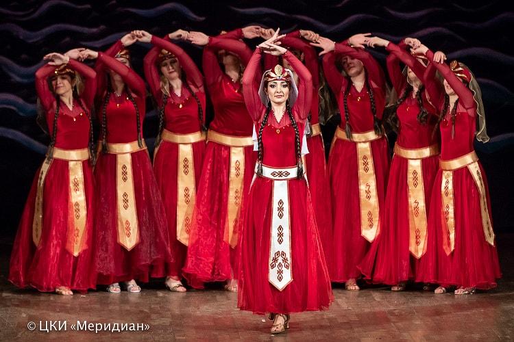 """""""Аурика"""" - спектакль ТВТ """"Аль-Джана"""":""""Аурика"""" - спектакль ТВТ """"Аль-Джана"""": армянский танец"""