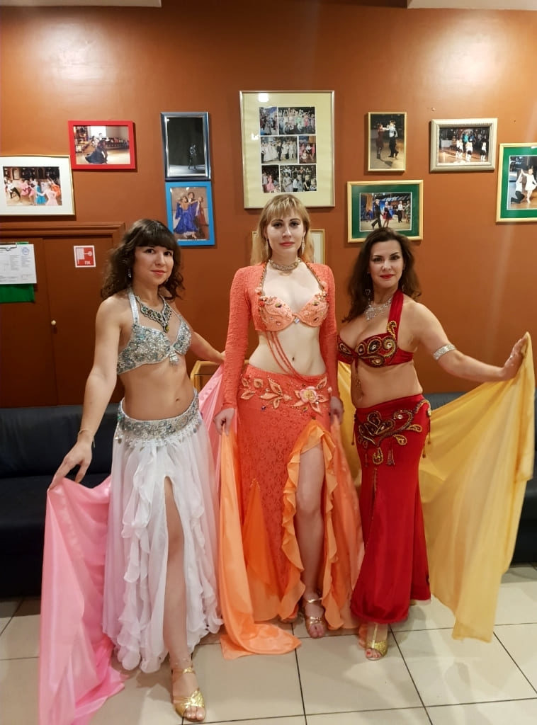 Девушки из группы Айсель на конкурсе