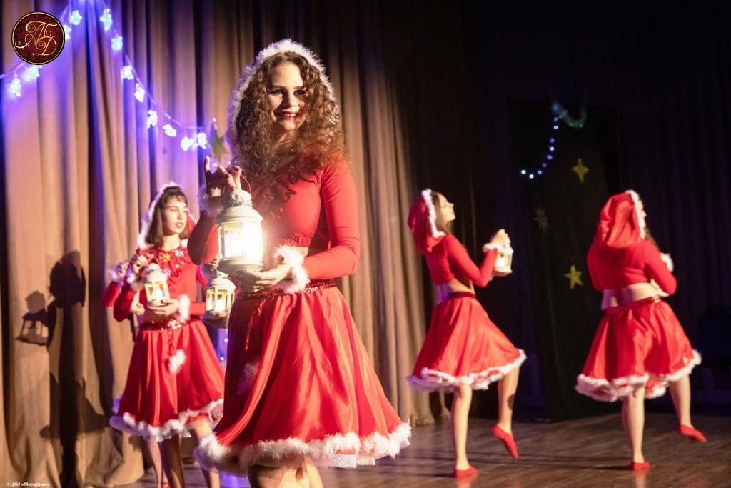 Новогодние эльфы на концерте Театра танца Аль-Джана