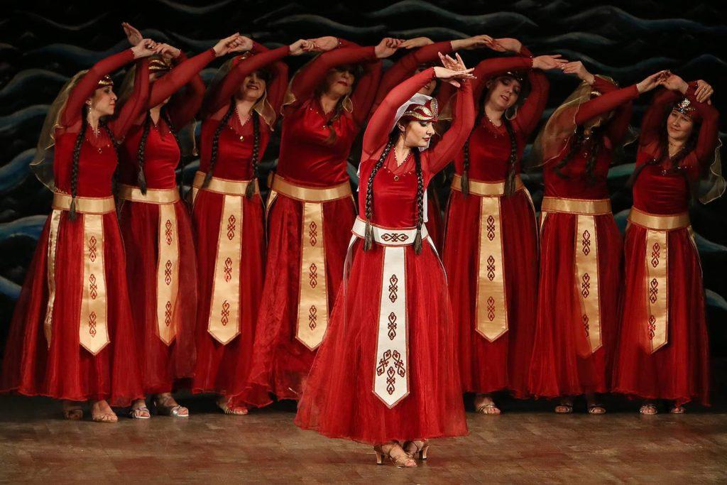 Спектакль Аурика. Армянский танец