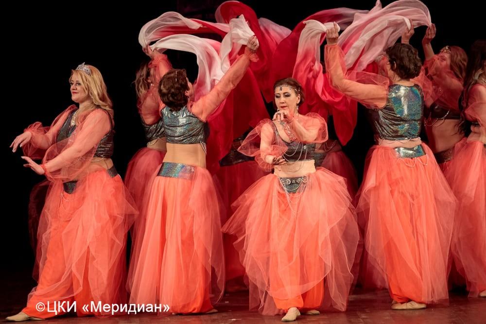 """Танец """"Рассвет"""" Юбилейный концерт-сказка """"Феерия красоты""""."""